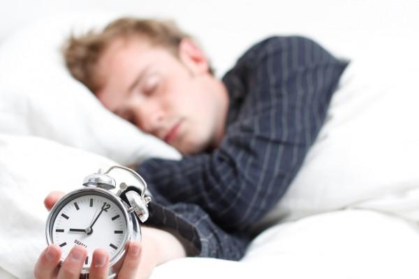 睡眠不足を解消するために試してほしい7つの方法