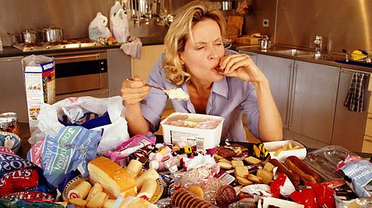 ストレスで過食をしてしまう人に共通する7つの事