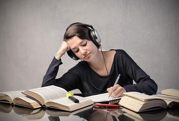 勉強の集中力をアップ!効果的な7つの音楽の選び方
