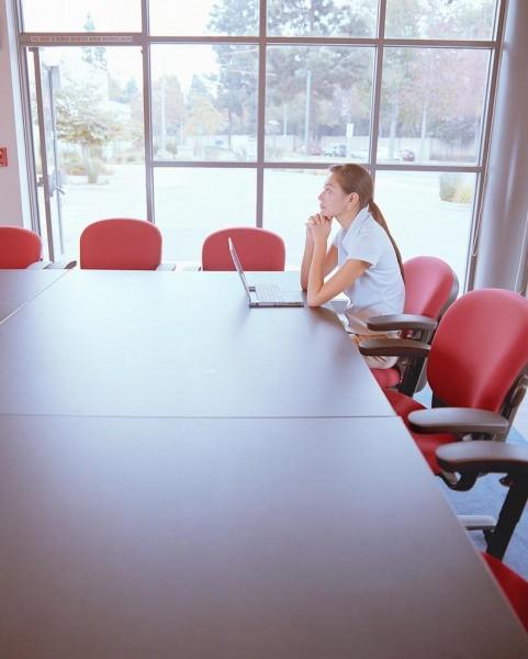 職場の人間関係で孤立したときに考えてほしい7つの事