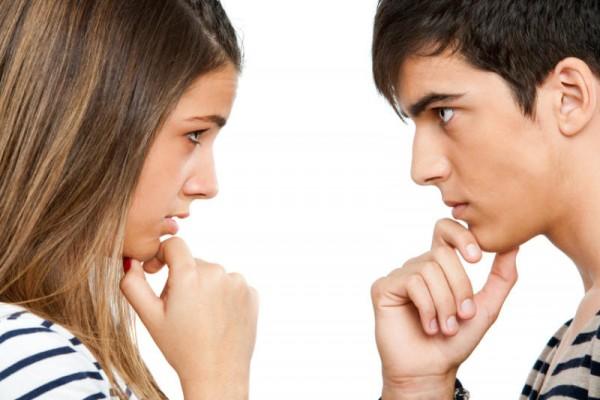 見つめ合う心理をうまく使い、相手を虜にする7つの方法