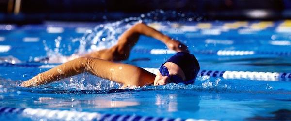 ダイエットに効果的な『水泳』、泳ぎ方とメニューの作り方