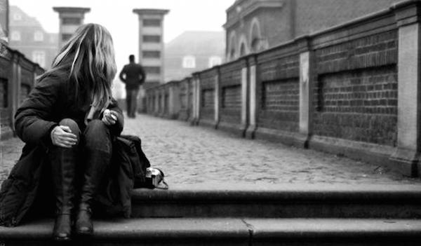 失恋での寂しい心を癒してくれる曲トップ9