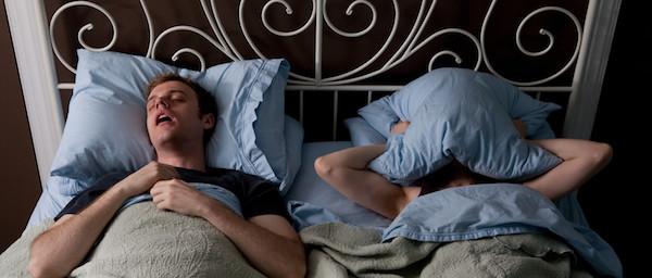 睡眠時無呼吸症候群の症状と、セルフケアの仕方