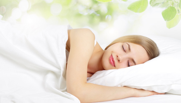 ヒーリング音楽を聴きながら、快適な眠りにつく5つの方法