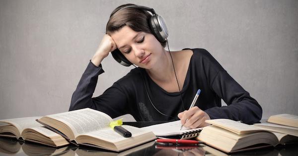 【トーイック】リスニングスコアを伸ばすおすすめ勉強法