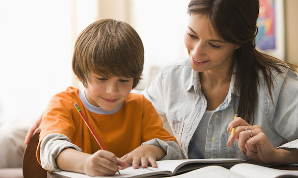 小学校英語を効果的にするために、家庭でできることは?