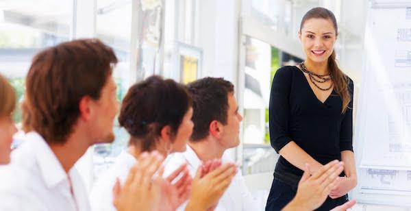 話し方教室に通って、あがり症を克服するコツ!