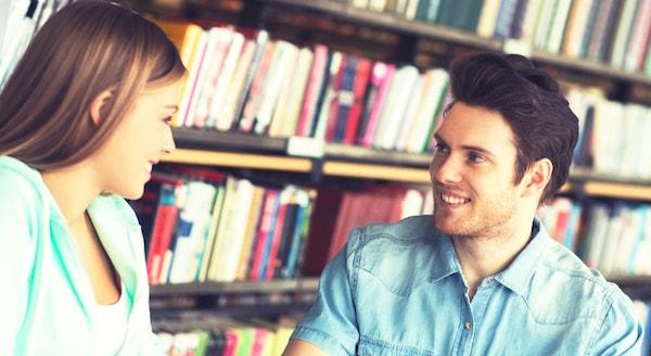 恋愛心理学☆男性が好意をあらわしている時のしぐさとは?